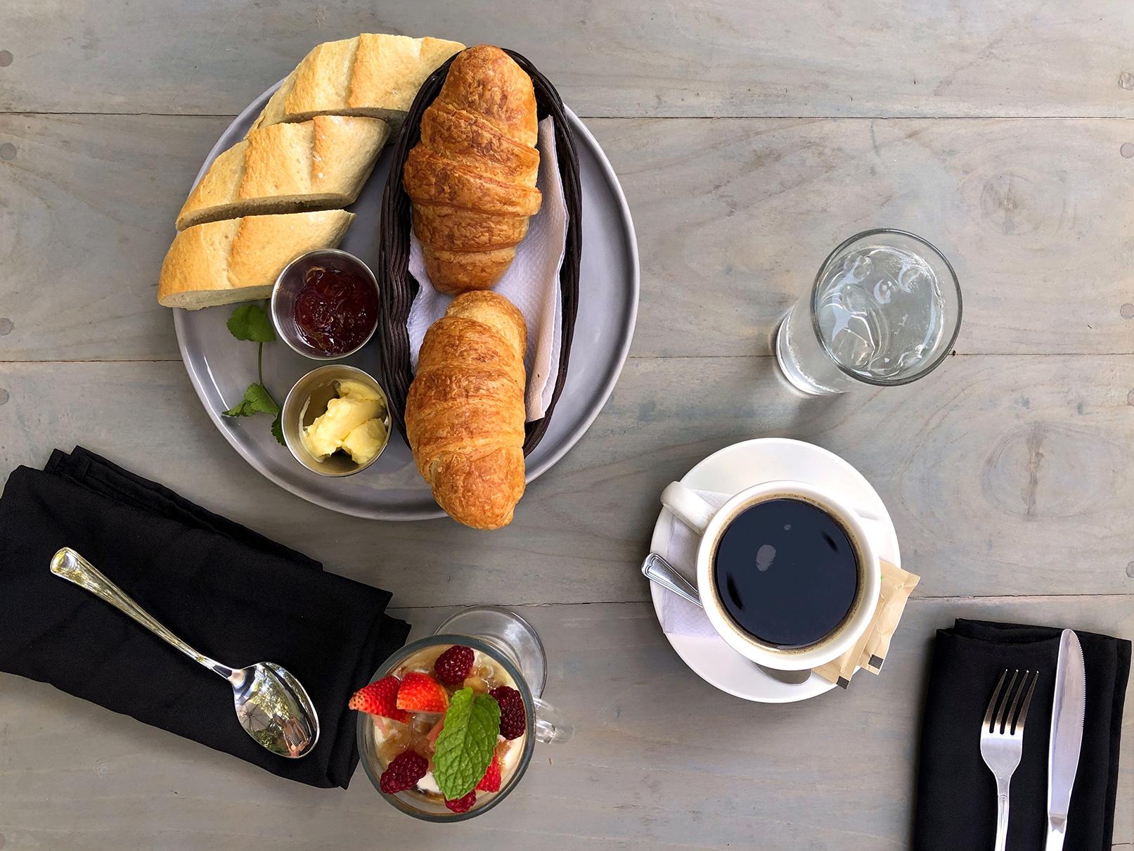 Cafe de paris restaurant nosara