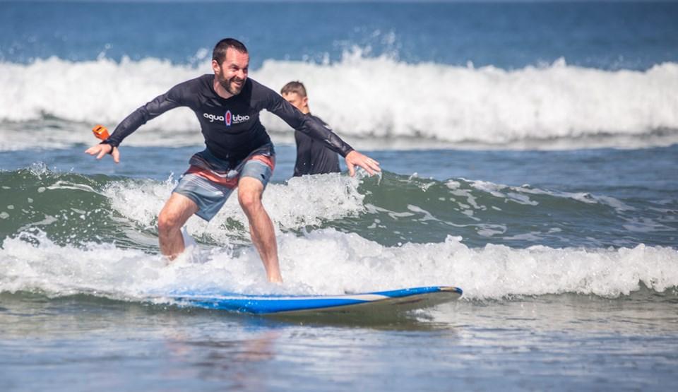 agua tibia surf nosara